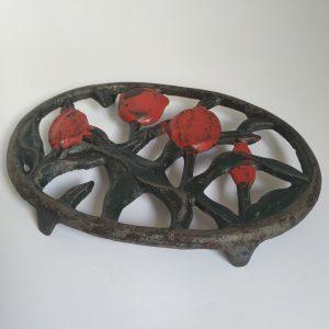 Onderzetter Pan van Gietijzermet Rode Tulpen