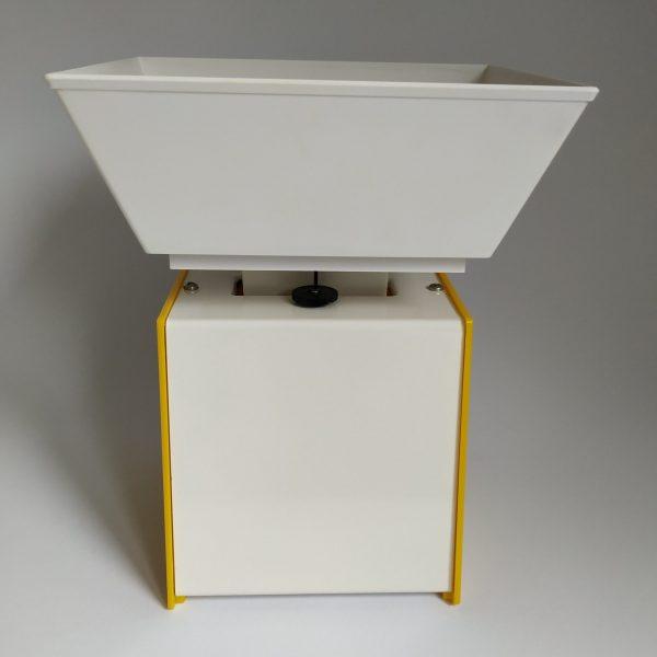 Keukenweegschaal Soehnle Retro – zijkant geel – hoogte 23 cm – breed 18,5 cm (5)