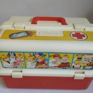 Vintage dokters koffer van Chicco met doktersspullen