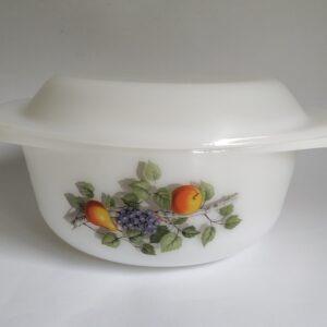 Vintage dekschaal / ovenschaal van Arcopal Fruits de France